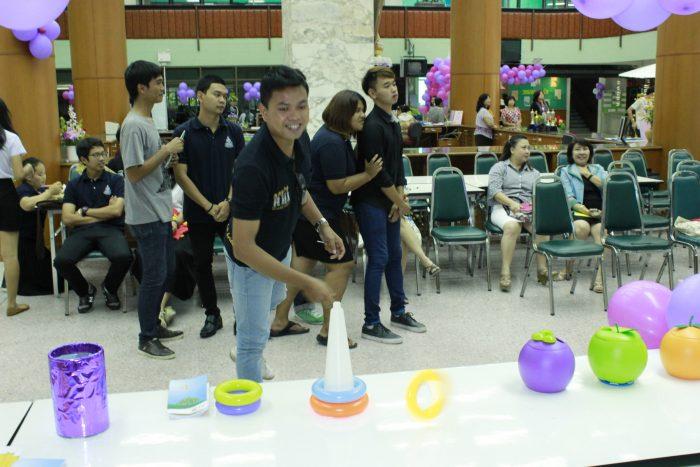 ภาพเล่นเกมสนุกๆ และตอบคำถาม ชิงรางวัลจากตลาดหลักทรัพย์แห่งประเทศไทย