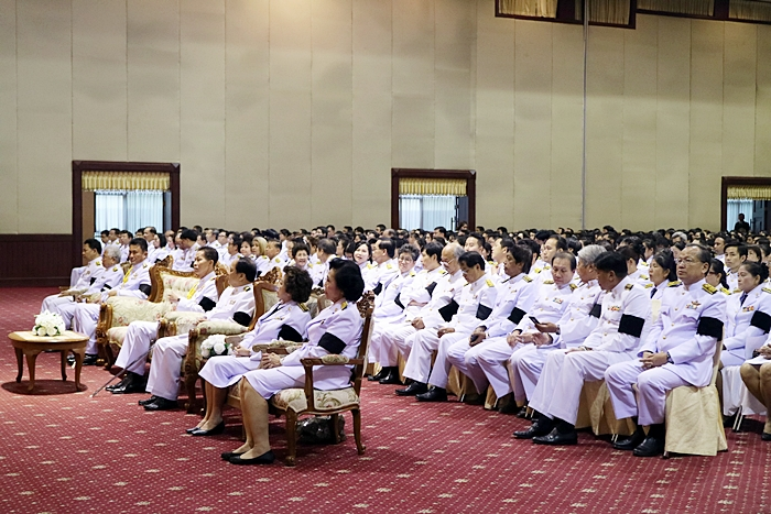 ภาพคณะผู้บริหาร คณาจารย์ ข้าราชการ และเจ้าหน้าที่ ตลอดทั้งนักศึกษาเข้าร่วมพิธี