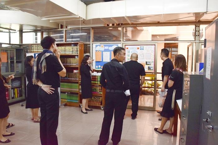 ภาพผู้ตรวจ 5 ส กำลังตรวจพื้นที่ งานพัฒนาทรัพยากรสารสนเทศ