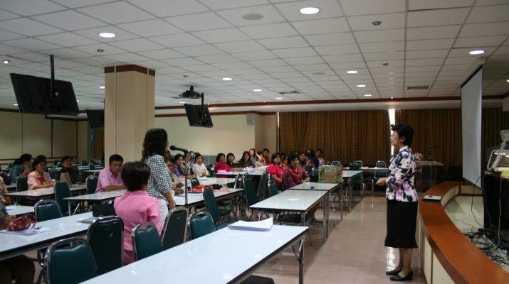 """29 มิ.ย. 2553 ฝึกอบรมเชิงปฏิบัตการ เรือง """"Competency กับบุคลากรสายวิชาชีพ"""""""