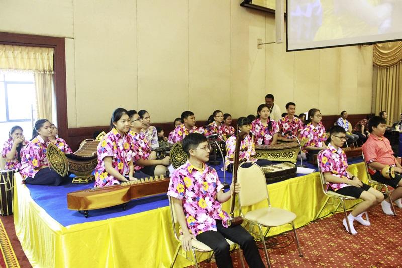 ภาพวงดนตรีไทยบรรเลงประกอบพิธี