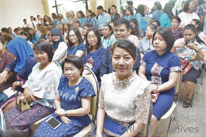 พิธีเปิดโครงการรามคำแหงรวมใจแต่งผ้าไทยเทิดไท้สมเด็จพระบรมราชชนนีพันปีหลวง
