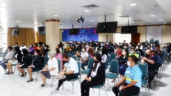 ภาพการประชุมสำนักหอสมุดกลางเตรียมเปิดบริการหลังจากปิดบริการเลี่ยงการระบาดโควิด-19 ช่วงเดือนมกราคม 2564 (29 มกราคม 2564)
