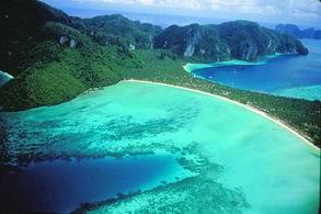 10 สถานที่ท่องเที่ยวที่ต้องไปในอาเซียน
