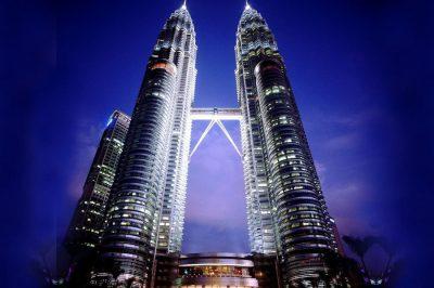 ตึกเปโตรนาส ที่มา : sawasdeemalaysia.com/ตึกแฝดเปโตรนาส-petronas-twin-tower/
