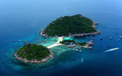 เกาะนางยวน มุมสูงซูม
