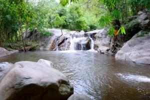 ภาพน้ำตกเก้าชั้น ที่มา: www.panoramio.com