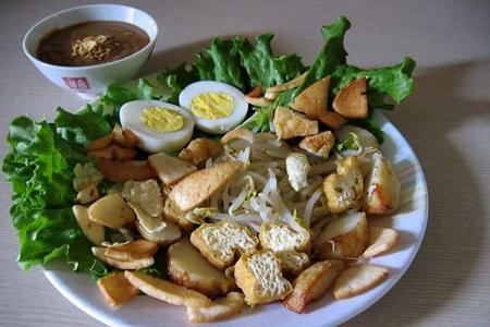กาโด กาโด ที่มา : foodasean.wordpress.com