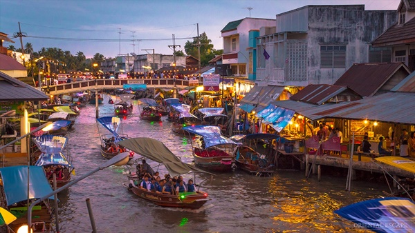 ภาพตลาดน้ำอัมพวา ที่มา : http://favforward.com/lifestyle/30972.html