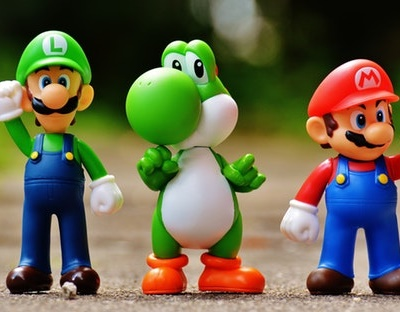 ภาพ ฟิกเกอร์ ลุยจิ โยชชี่ และมาริโอ จาก เกม Super Mario Bros
