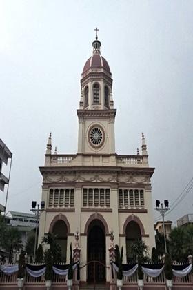 ภาพด้านหน้าโบสถ์ซางตาครู้ส <br> ภาพโดย : ธงฉัตร จันทร์บุตร
